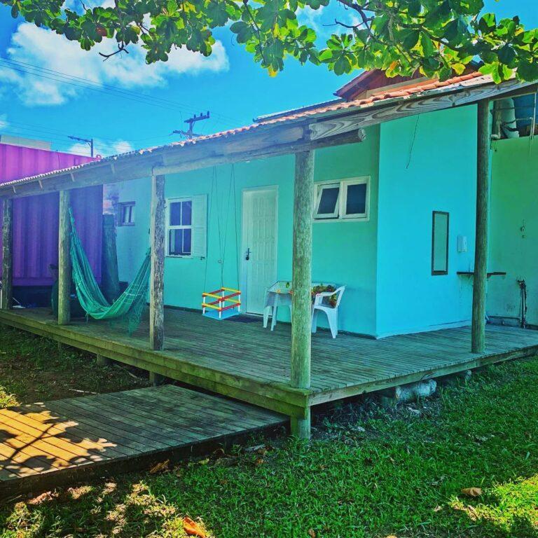 Casa com 1 quarto (ampla Cozinha, 1 quartos e 1 banheiro)